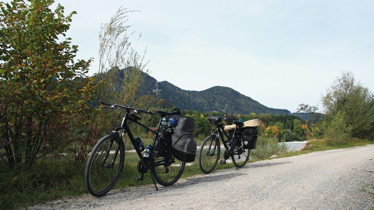 Cykloturistika vyžaduje kolo s potřebným vybavením.
